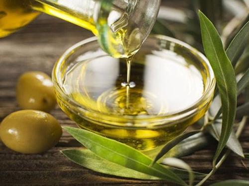 Hướng dẫn làm kem dưỡng trắng da với dầu oliu