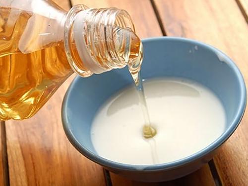 Cách làm trắng da với dầu oliu và sữa chua