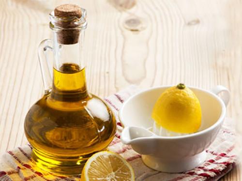 Cách làm trắng da với dầu oliu và mật ong